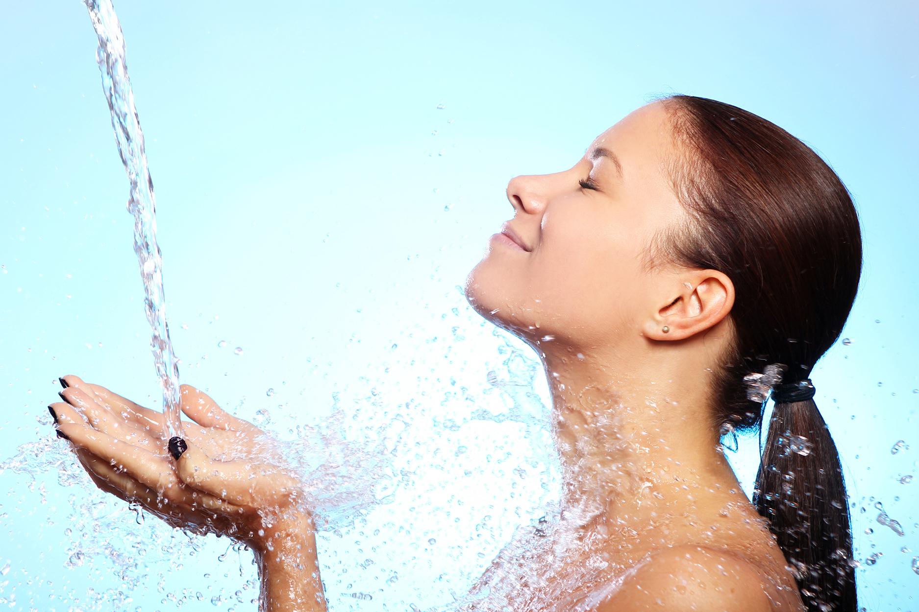 Kaj vaša koža največ potrebuje? Hidracijo!